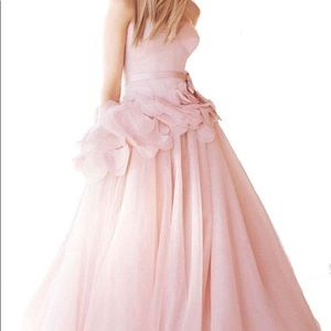 VERA WANG  Blush Strapless Flowers dress